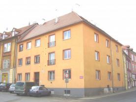 Pronájem, byt 1+kk, 26 m2, Cheb, ul. Kasární náměstí
