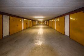 (Pronájem, garáž, 17 m2, Praha 8 - Čimice)