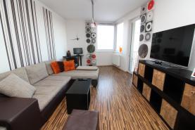 Obývací pokoj (Prodej, byt 2+kk, 58 m², OV, Praha 9 - Prosek), foto 4/15