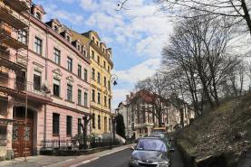 Prodej, byt 1+kk, 32 m2, Karlovy Vary, ul. Svahová