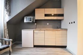 (Prodej, byt 1+kk, 32 m2, Karlovy Vary, ul. Svahová), foto 4/19