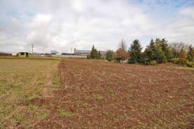 Prodej, stavební parcela, 1334 m2, Tmaň - Lounín