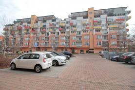 Pronájem, byt 2+kk, 78m2, Praha 9 - Vysočany, ul. Pod Harfou