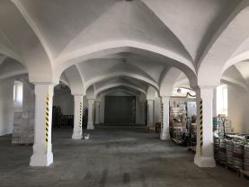 Pronájem, komerční prostor, 380 m2, Velké Hoštice