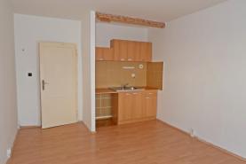 (Pronájem, byt 1+kk, 29 m2, Moravská Ostrava, ul. Varenská), foto 2/12