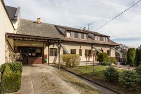 Prodej, rodinný dům 6+2, 460 m2, Hněvošice