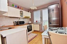 Prodej, byt 2+1, Luštěnice