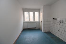 Kuchyně (Prodej, byt 3+1, 85 m², OV, Praha 7)