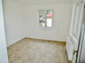 (Prodej, rodinný dům 3+1, 389 m2, Cetoraz)