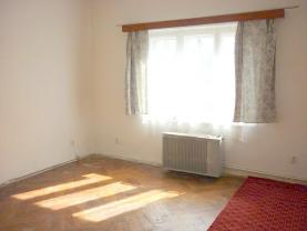 Pronájem, byt 2+1, Krnov, K. Čapka
