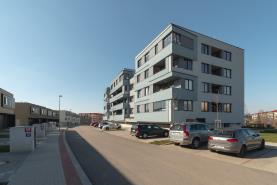 Pronájem, byt 1+kk, Praha 9 - Černý Most, ul. Mrázkova