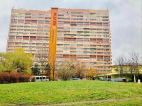 Pronájem, byt 1+kk, 28 m2, OV, Chomutov, ul. Kundratická