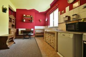 (Prodej, rodinný dům 5+1, 7270 m2, Moravany - Čeradice), foto 3/33