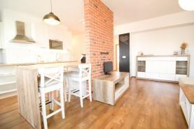 Prodej, byt 3+kk, 99 m2, Jesenice, ul. Budějovická