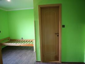 (Pronájem, byt 3+1, 58 m2, Chvaletice, ul. Obránců míru), foto 4/8