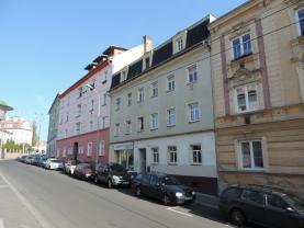 Pohled na dům (Prodej, byt 2+1, 68 m2, OV, Ústí nad Labem, ul. Klíšská), foto 2/14