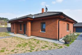 Prodej, rodinný dům 6+kk, 903 m2, Kly-Lom