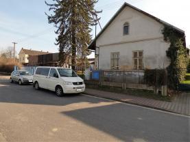 Prodej, rodinný dům, 2209 m2, Moravany