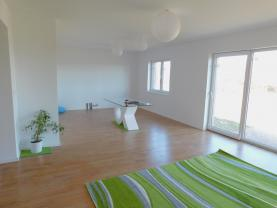 Obývací pokoj + KK (Prodej, rodinný dům 4+kk, 132 m2, Vratimov), foto 3/19