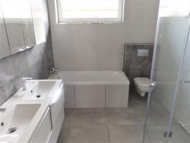 Koupelna (Prodej, rodinný dům 4+kk, 132 m2, Vratimov), foto 4/19