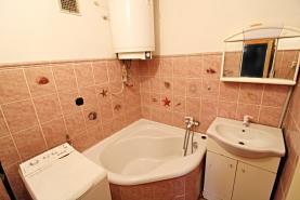 koupelna (Prodej, byt 2+1, 42 m2, Česká Lípa, ul. Starý Újezd), foto 3/13