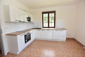Kuchyně (Prodej, rodinný dům 6+1, 1131 m2, Horní Kalná), foto 3/40