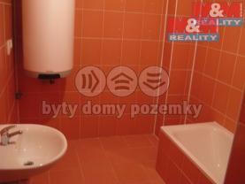 Koupelna (Pronájem, byt 4+1, 78 m2, I.NP, Brozany nad Ohří), foto 2/10
