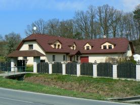 Prodej, rodinný dům 4+1 a 3+kk, 460 m2, Bílovec