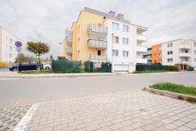Prodej, byt 2+kk, 50 m2 + zahrada, Praha 10 - Uhříněves