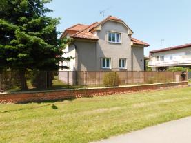 Prodej, rodinný dům 5+1, 688 m2, Městec Králové