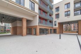 Pronájem, obchodní prostory, 117 m2, Praha 6 - Dejvice.