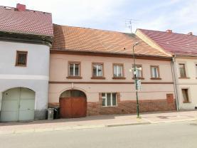 Prodej, rodinný dům, 400 m2,Třebenice, ul. Masarykova