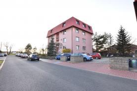Prodej, byt 2+kk, 44 m2, Veleň