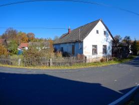 House, Pelhřimov, Počátky