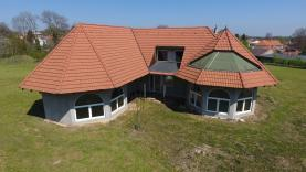 Prodej, rodinný dům 7+1, 16.464 m2, Křesetice
