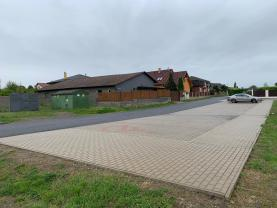 Parkoviště před autodílnou (Retail premises for rent, Praha-východ, Hovorčovice)