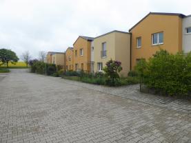 Prodej, byt 2+kk 65 m2, Horoměřice, okres Praha Západ