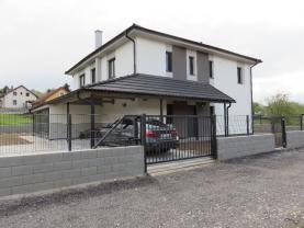 Prodej, rodinný dům 8+kk, 999 m2, Komárov