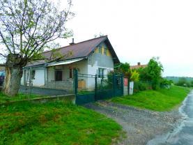 Prodej, rodinný dům 4+2, 2.635 m2, Bílsko u Kopidlna