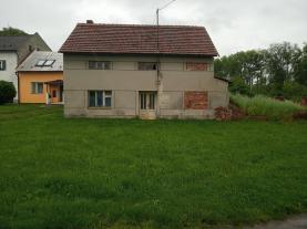 House, Olomouc, Tršice
