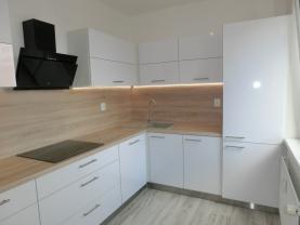 Prodej, byt 3+1, 67 m2, Tábor, ul. Sofijská