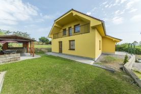 Prodej, rodinný dům 4+1, 1228 m2, Třebusice