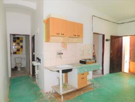 (Prodej, 2 byty, 9+kk, 189 m2, OV, Cheb, ul. Májová), foto 2/50