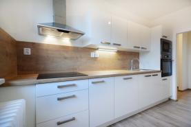 Prodej, byt 4+1, 83 m2, Kostelec nad Černými lesy