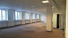 Pronájem, kanceláře, 299 m2, Plzeň, ul. Na Pomezí