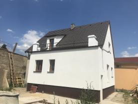Prodej, rodinný dům 5+1, 356 m2, Tmaň