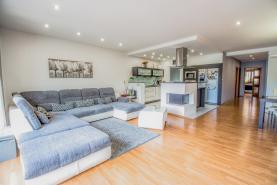 Prodej, rodinný dům 4+kk, 777 m2, Hluboká nad Vltavou