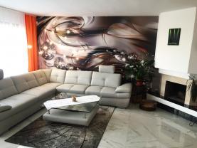 Obývací pokoj - mramorové podlahy (Prodej, rodinný dům 5+2, 234 m², Brno, Žabovřesky), foto 3/12