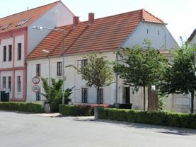 Pronájem, byt 1+kk, II.NP, 34 m2, Brozany nad Ohří