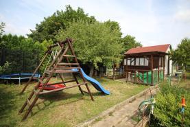 Garden, 383 m2, Most